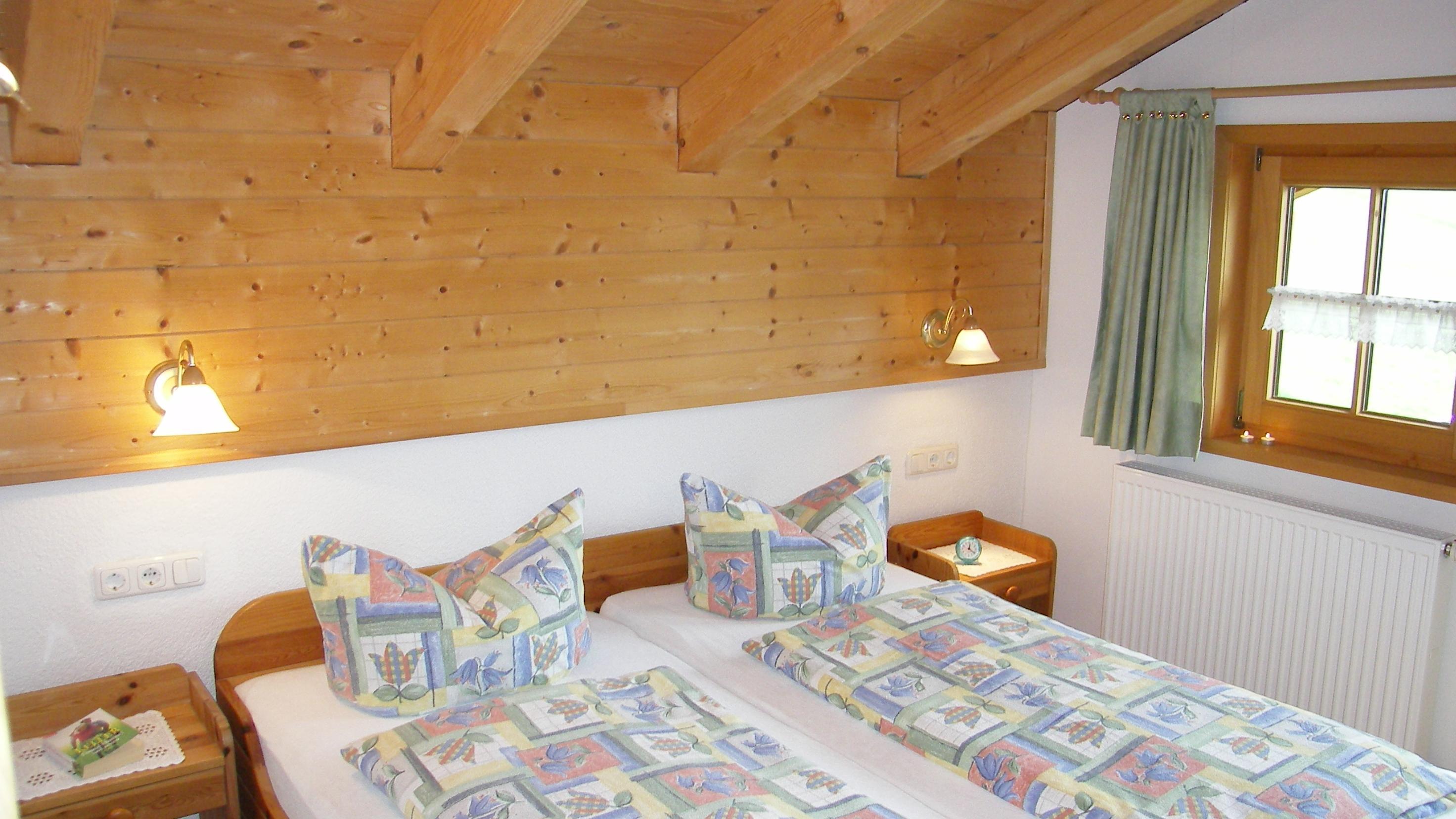 Haus Waldeck Ferienwohnung Riedbergerhorn-Schlafzimmer